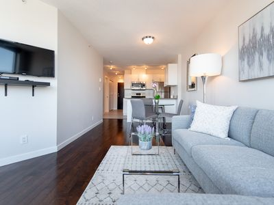 Photo for Trendy Downtown Two Bedroom Apartment (E4)