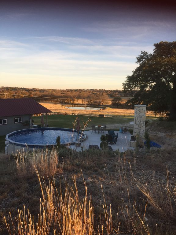 CHARMING!  Renovated barn w/private pool and hot tub!