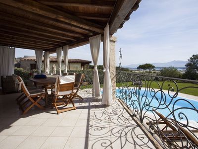 Photo for Wonderful luxury villa with pool and big garden overlooking the sea!