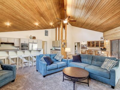Photo for Remodeled Flagstaff w/ Golf view, Air Cond.,3 bed,3bath QUIET Top Rated, POOL,