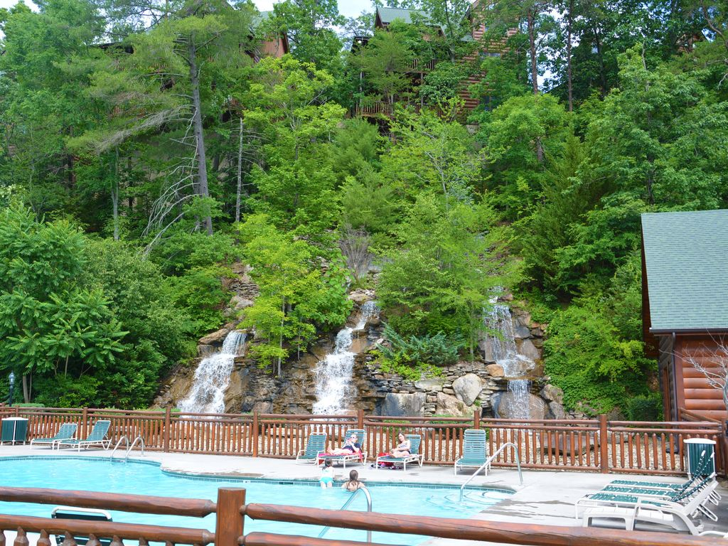 Beautiful 2 2 Cabin With Loft Gameroom Pigeon Forge Sevier County Tennessee Rentbyowner Com