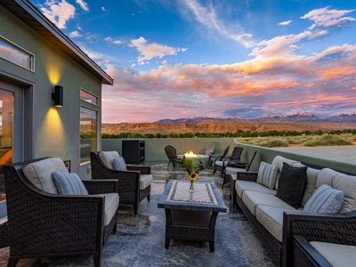 Photo for 3 Bedroom 3.5 bath all Suite home Exclusive Retreats 3371