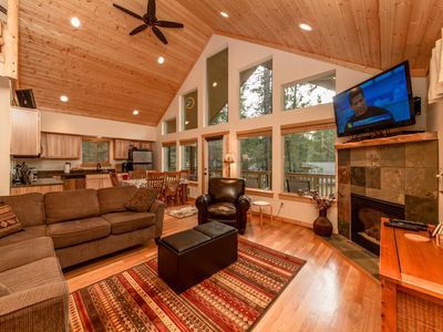 Raven Ridge Lodge - Great Room with a large TV, Cable, and DVD. Gas Fireplace!