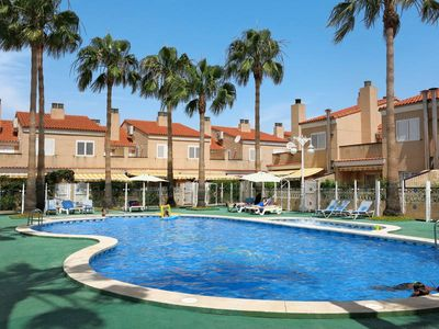Photo for Apartment Residencial 2000  in Sagunto, Costa del Azahar - 6 persons, 4 bedrooms