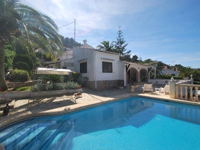 Photo for Holiday villa with private pool, calm situation, air condition, internet