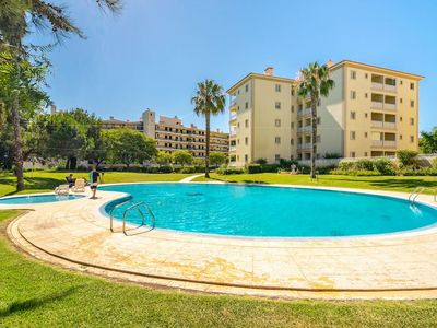 Photo for Amazing 3-bedroom family condo with swimming pool in Vilamoura