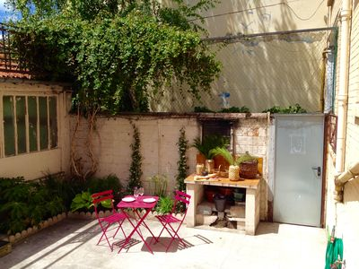 Photo for Large sunny terrace, 90m2, 2mn metro, 5 minutes from Paris