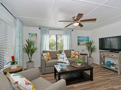 Photo for 1307/U · Tropical Bliss - Close to Beach & Nightlife!