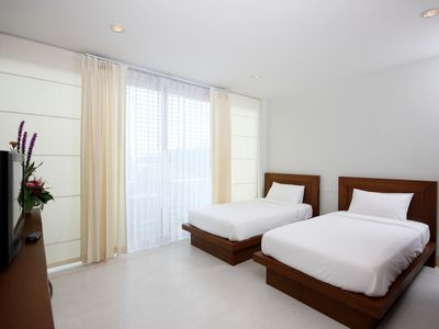 Photo for 1 bed room with 2 single beds in Kata Beach B8