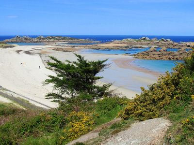 Photo for 54 m2 apartment near the beach - sea and rocks in Trégastel
