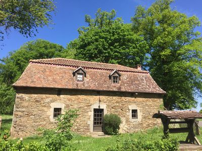 Photo for House of character with swimming pool in green Périgord