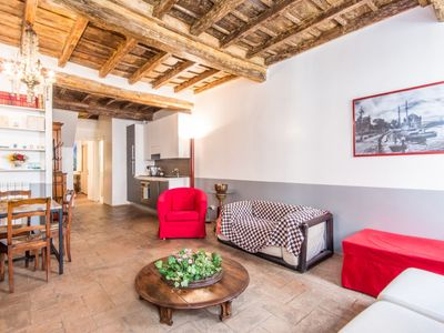 Photo for One bedroom Apartment, sleeps 4 in Regola with Air Con and WiFi