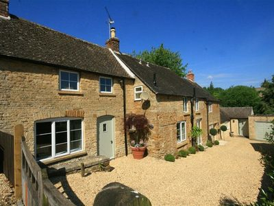 Photo for Orchard House, STOW-ON-THE-WOLD