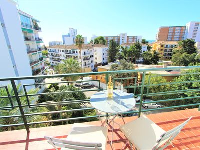 Photo for 2 BEDROOMS APARTMENT CLOSE TO BONANZA SQUARE. AC, WIFI, POOL AND PARKING.