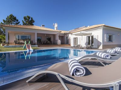 Photo for Fantastic beach villa for 8+2 people, at walking distance from the Beach!