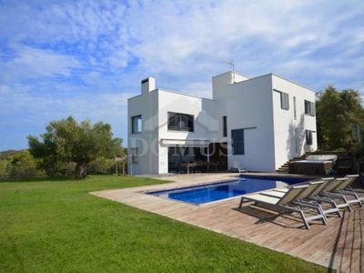 Photo for 5 bedroom Villa, sleeps 11 with Pool