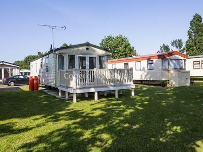 Photo for Luxury caravan for hire at Seawick in Essex ref 27012