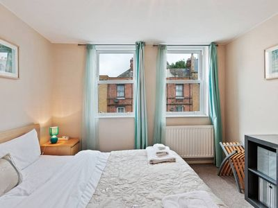 Photo for Modern 2 Bed apt w/Balcony near Euston