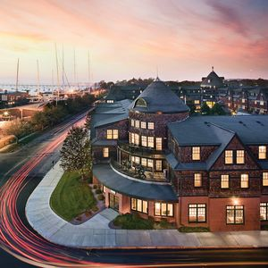 Photo for Wyndham Long Wharf - Newport downtown location