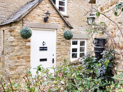 Photo for 2 bedroom Cottage in Stow-on-the-Wold - CC017