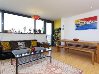Photo for Vibrant 2 bed flat located in trendy Shoreditch, minutes from the tube (Veeve)