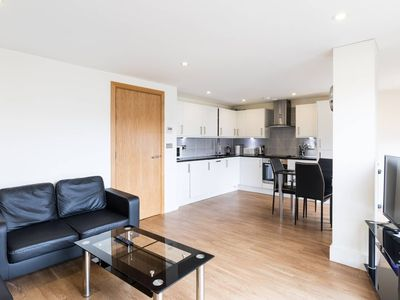 Photo for Modern 2 Bed 2 Bath in Hyde Park/Central London