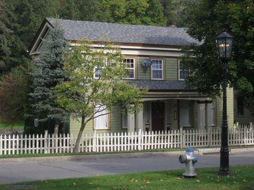 Main St. Wellsboro Guest House.$140 per night s-f.Park and walk to town. Wifi.