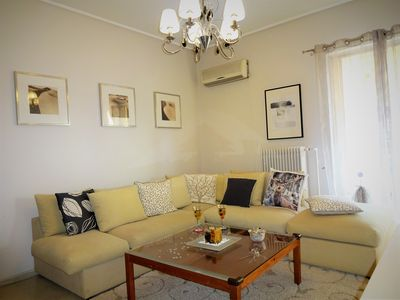 Photo for Urban Cosy Flat, 5' Tram/Metro, 2km from Acropolis