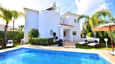 Photo for Luxury 3 bedroom 2 bathroom private detached villa with pool, car not required.