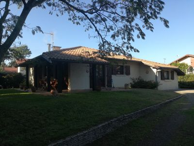 Photo for Villa of 100 m2 (sleeps 6) with 500 m2 of garden 10 minutes walk from the beach