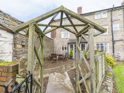 Photo for 4BR Cottage Vacation Rental in Craven Arms