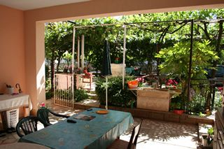 Photo for Apartment with 3 bedrooms, kitchen, bathroom, terrace with barbecue in ancient Roman Pula