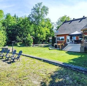 Photo for Beautiful Cottage located in St-Adolphe D'Howard on Lac St Joseph