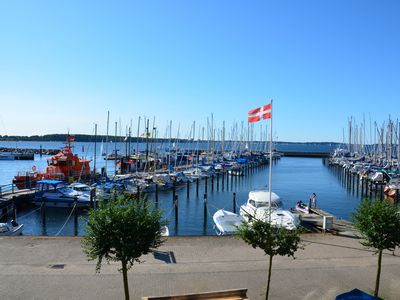 Photo for Apartment overlooking the marina and the Kiel Fjord