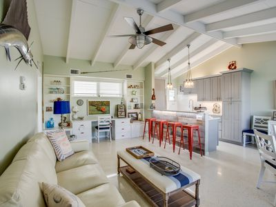 Photo for Beachaven #8. Newly renovated. Tiny complex. Quiet & relaxing. Siesta Key FL