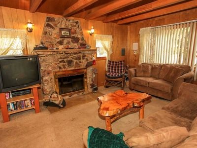 Photo for Country house in the center of Big Bear Lake with Parking, Washing machine, Balcony (983559)