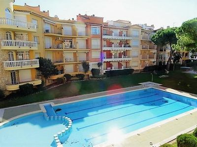 Photo for Empuriabrava: 200 meters from the beach, shared swimming pool, 2 bedrooms, Clim