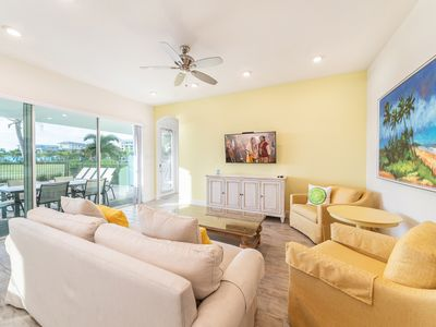 Photo for Surf's Up! Cottage 3 Miles from Disney with Daily Clean & Hotel Amenities