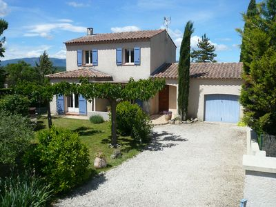 Photo for In the heart of the Luberon, 23 km from Aix, Air-conditioned villa private pool