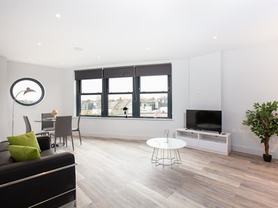 Photo for Luxury Fulham Two Bedroom Next to Station