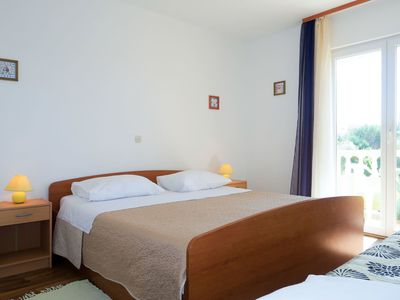 Photo for Nice apartment for 8 people with WIFI, TV, balcony, pets allowed and parking