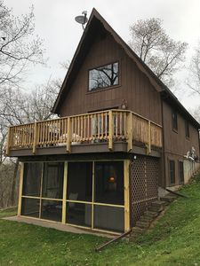 Photo for GRAND VIEW -- VISTAVIEW CABIN overlooking the Mississippi River with HOT TUB!