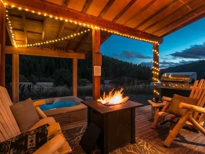 Photo for Cozy Cabin! Hot tub, Propane Fire-pit.