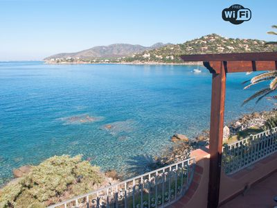 Photo for Villa AngelaD seafront and direct access to the coast - Torre delle Stelle
