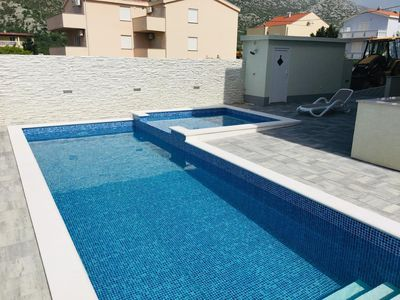 Photo for Holiday apartment Karlobag for 1 - 5 persons with 2 bedrooms - Holiday apartment