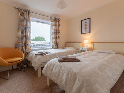 Photo for Fabulous town centre 2-bedroom Apartment