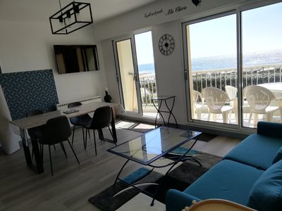 Photo for Renovated apartment facing and sea view for 4/6 people at the foot of the beach