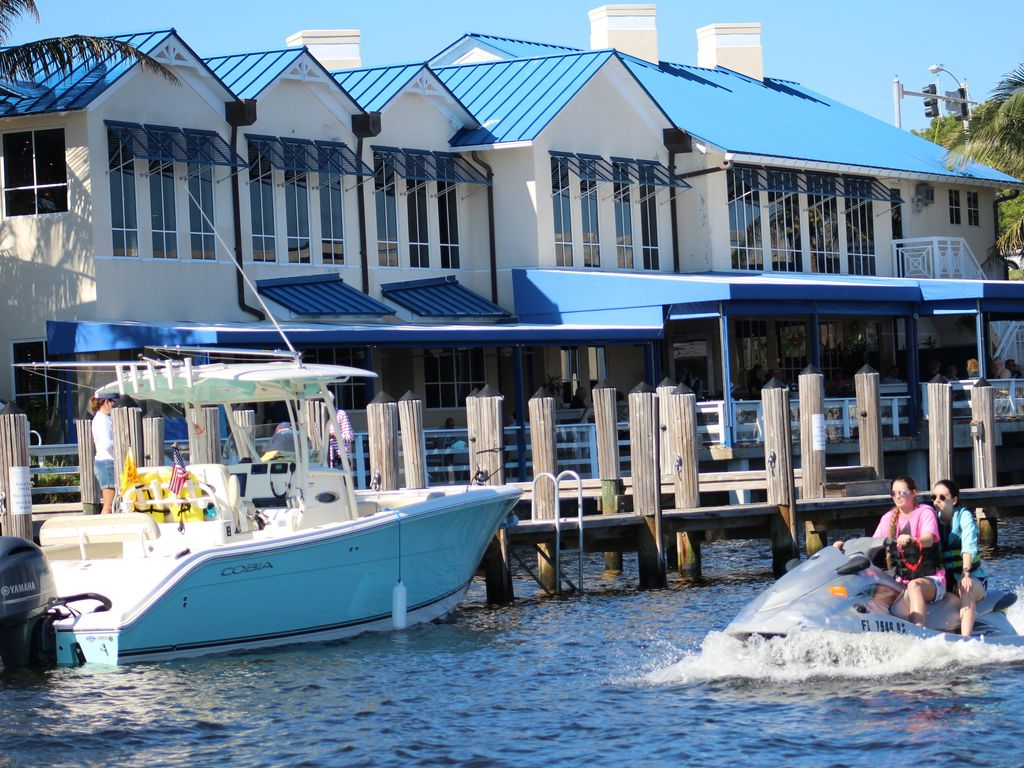 Waterfront relaxation beaches boating fishing golfing for Delray beach fishing