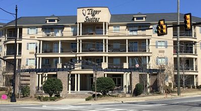 Photo for Spacious 2 BR Condo a Few Blocks From the Stadium - Book now for Camp War Eagle!
