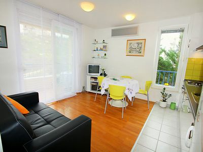 Photo for One bedroom Apartment, sleeps 3 in Dubrava with Air Con and WiFi